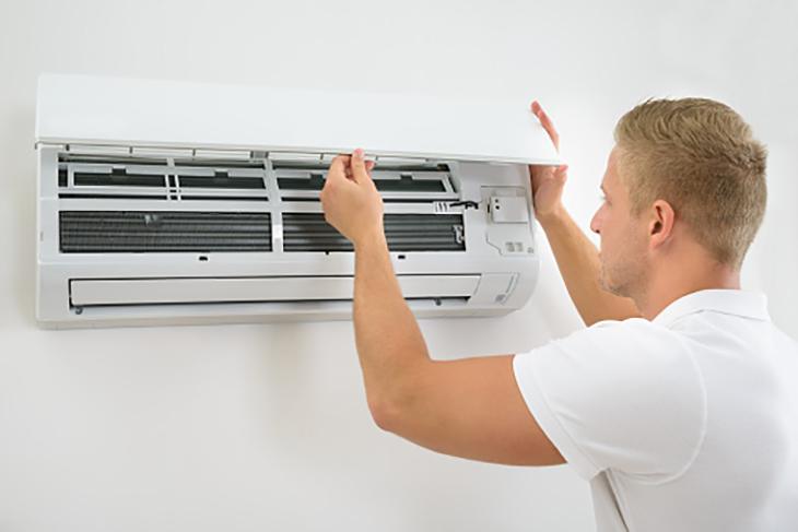 Kiểm tra cục lạnh của máy lạnh cẩn thận